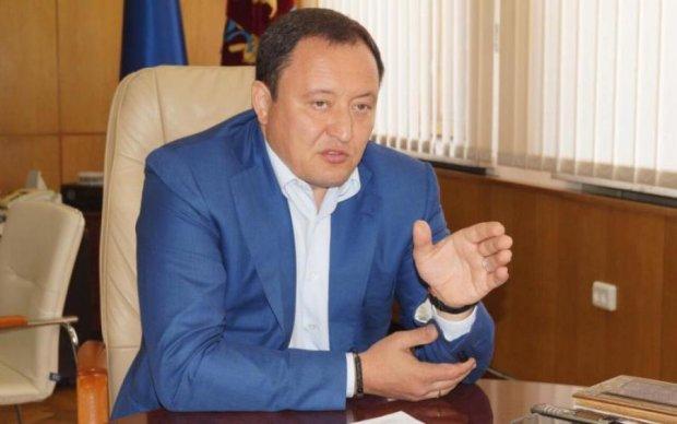 У главы Запорожской ОГА нашли 5 незадекларированных авто и недвижимость в Крыму