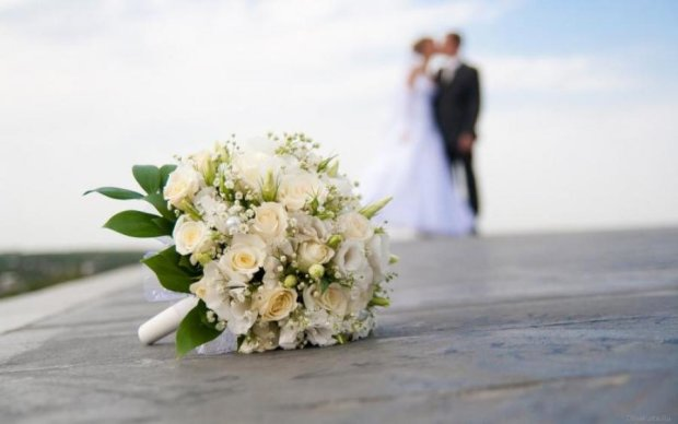 """Ніяких весіль: астрологи назвали """"проклятий"""" час"""