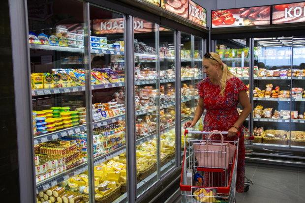 """В Одесі популярний супермаркет підсовує українцям торти з мерзенною живністю: """"Фу, клопівник"""""""