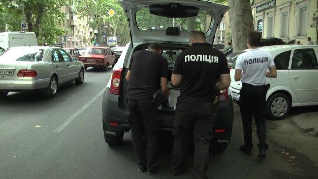 """Решила """"проветриться"""": в Одессе нашли пропавшую девочку, родители встретят слезами и ремнем"""