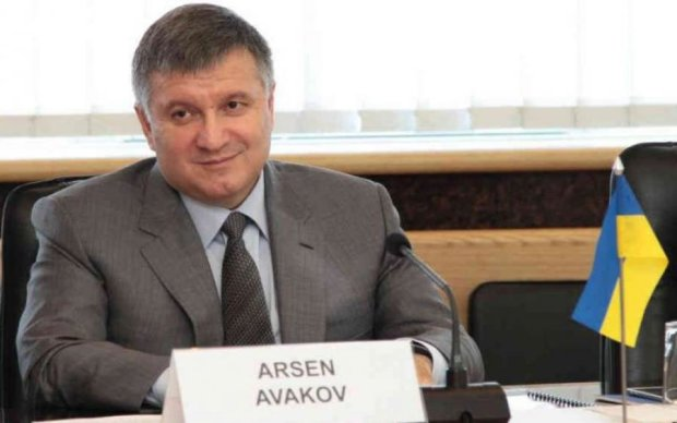 Азаров вселився в Авакова: відеодоказ