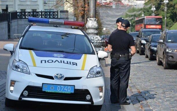 Закидала камінням: озвіріла одеситка розправилася з рідною матір'ю, від жаху заніміла вся Україна