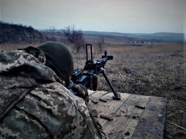 Сутки на Донбассе: украинцы уничтожили гнездо путинских паразитов