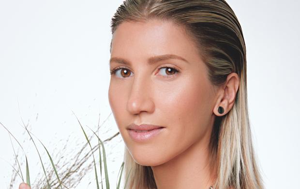 Анита Луценко показала, как избавиться от боли в спине без уколов: можно даже после родов