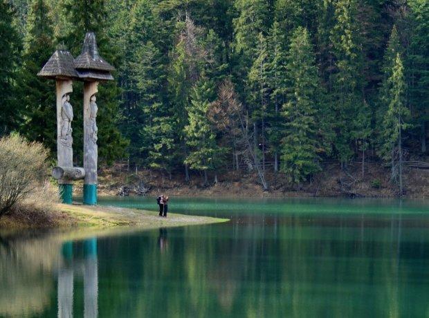 Місце сили Притули: як виглядало неймовірне озеро Синевир багато років тому
