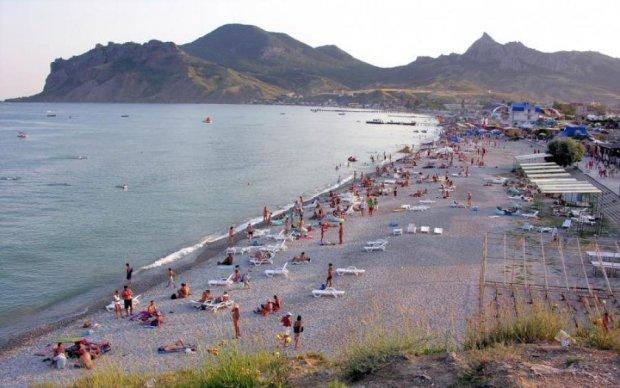 Окупанти перетворять популярний курорт на каналізацію