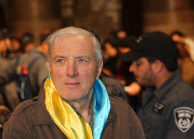 Пожилого брата Ющенко засекли с юной красоткой: загадочная дама заинтриговала украинцев