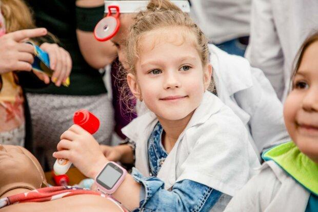 ЮНІСЕФ назвав країни, де найкраще ростити дітей - результат України змусить пакувати валізи