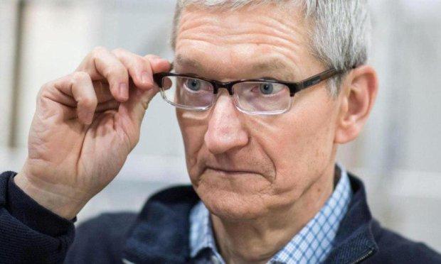 Apple показала Цукербергу, как открыто следить за пользователями
