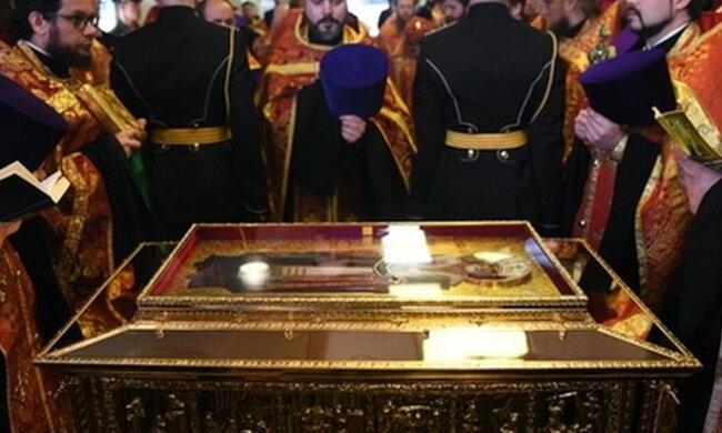У Вінниці з храму викрали мощі найшанованішого святого, дії зухвалого крадія спіймали відеокамери