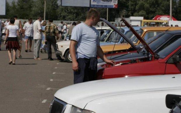 Украинцев начали штрафовать за евроавтомобили: сумма потрясает