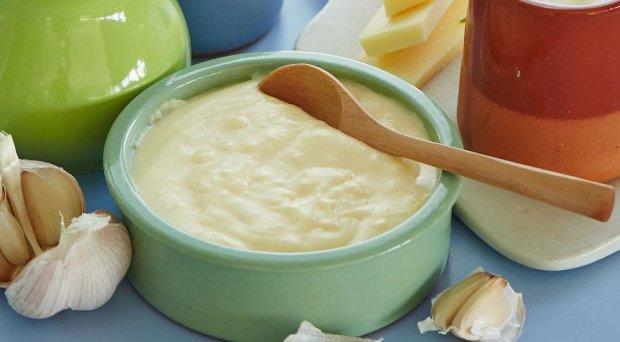 Класичний соус бешамель з мускатним горіхом за 15 хвилин
