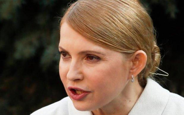 Відзначає: Тимошенко почала засідання з випивки
