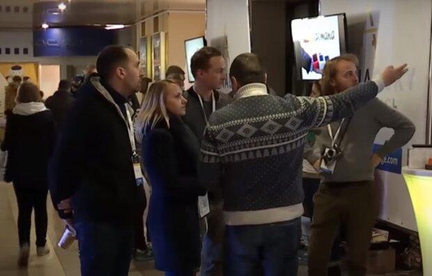 Хмельничани пошиють рюкзаки і нагодують супом всю Україну