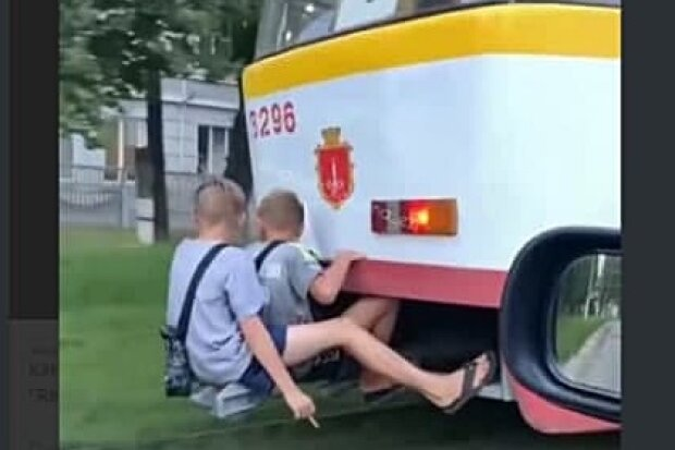 Зацеперы, скріншот з відео