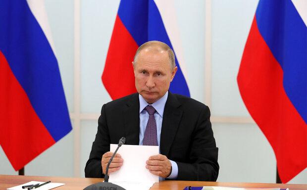 Проклятие Путина идет пешком в Москву: править осталось не долго
