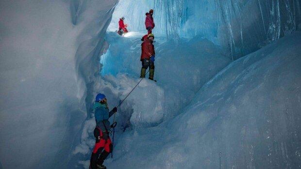 Останнє попередження: льодовик з гори Монблан  готовий обрушитись на місто, оголошено евакуацію