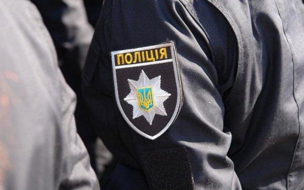 Что происходит? Вооруженная толпа ворвалась в украинский отель