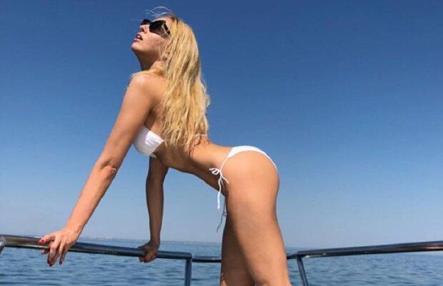 Оля Полякова у купальнику, фото ілюстративне