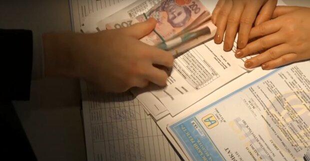 """Налоговая приготовила """"подарок"""" продавцам в интернете: как избежать наказания"""