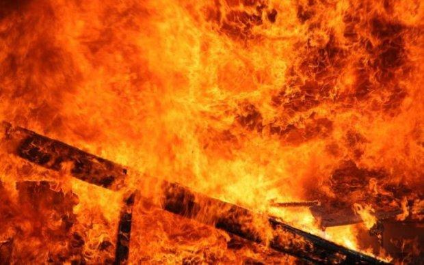 Крупный пожар в Ростове: люди озвучили циничную версию