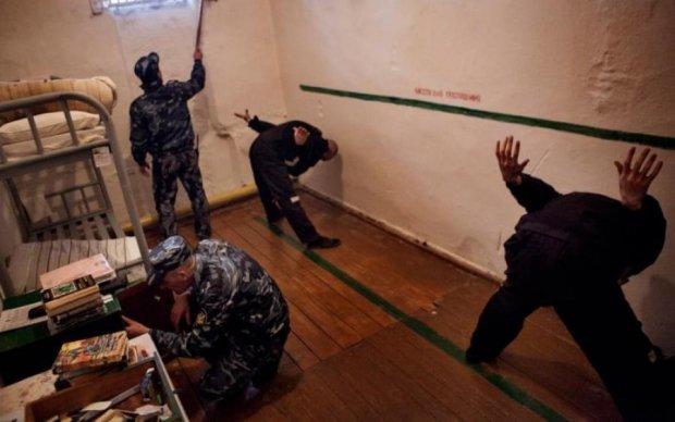 Тортури за гратами: путінські кати кинули Кольченка в ШІЗО