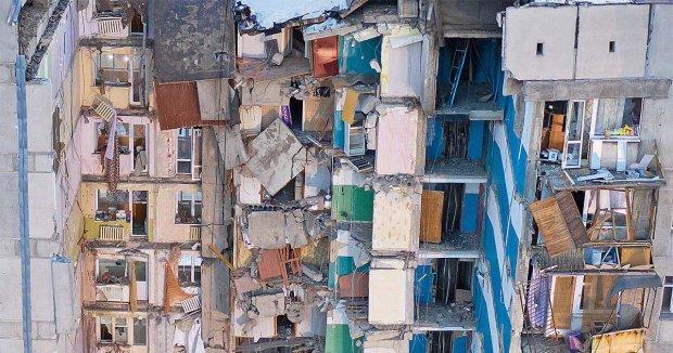 МЧС бросают разрушенный дом в Магнитогорске: из-под завалов достали десятки тел, люди брошены на произвол судьбы