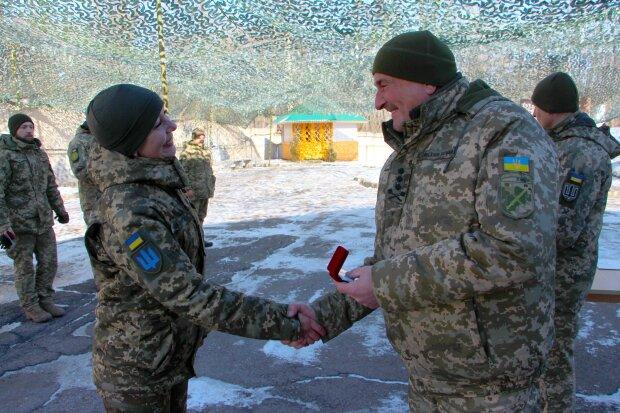 Командування ООС нагородило воєнкорів, фото: штаб ООС