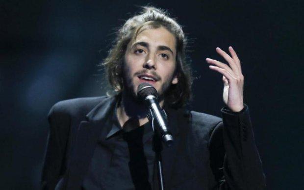 Легенда Евровидения впервые выступил на сцене после пересадки сердца