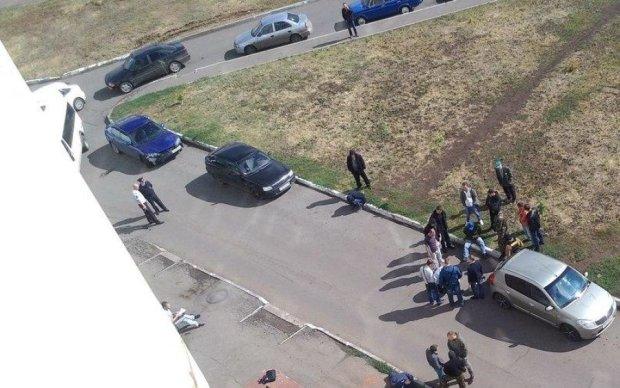 Вбивство в ломбарді: зухвале пограбування у Києві потрапило на камеру