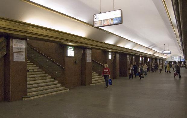 В киевском метро произошла трагедия: никто не смог спасти