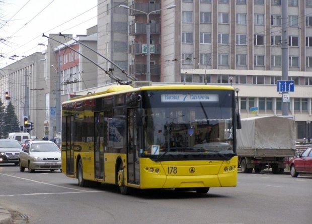 У Львові змінять усі номери тролейбусів: що потрібно знати