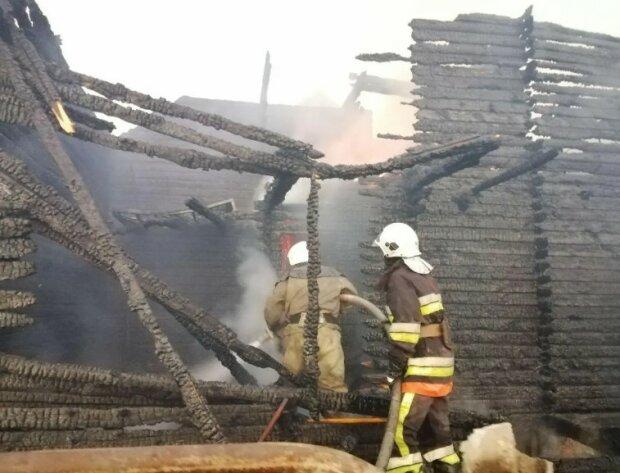 Пожар в Затоке, фото: ГСЧС в Одесской области