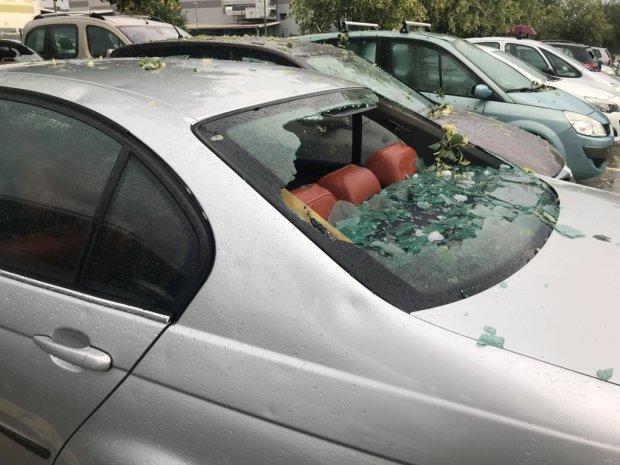 На головы украинцев свалилась лютая непогода: разбитые окна и парализованные улицы