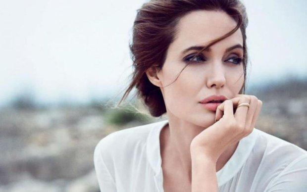 Отруйна та важка: адвокат Анджеліни Джолі шокувала зізнанням