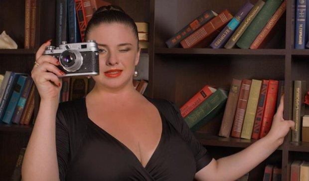 Вінничанка з 12 розміром бюсту знялася у спокусливій фотосесії