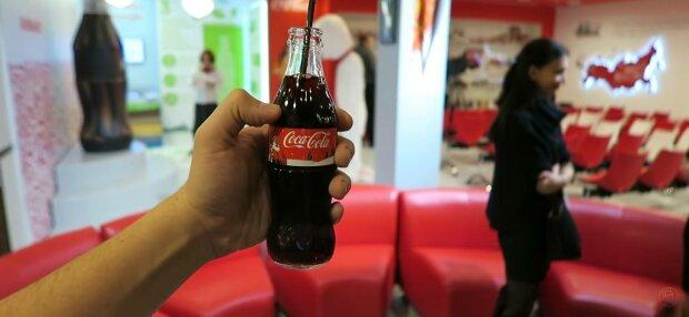 Кока-Кола, фото: скріншот з відео