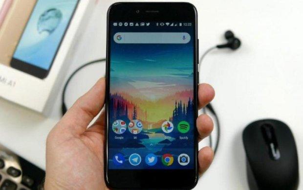 Швидше за світло: Xiaomi Mi 8 розкрив головний козир