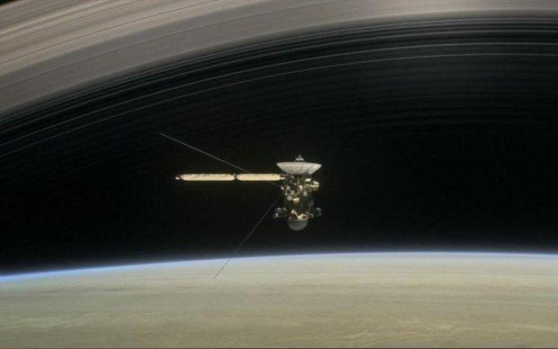 NASA показало впечатляющие фото облаков на Титане