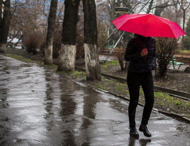 Погода в Киеве на 13 июля: беспощадная стихия испортит украинцам выходные