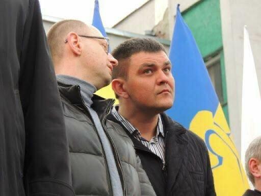 Политический хамелеон Вознюк: прикрываясь вышиванками, зарабатывает миллионы в России