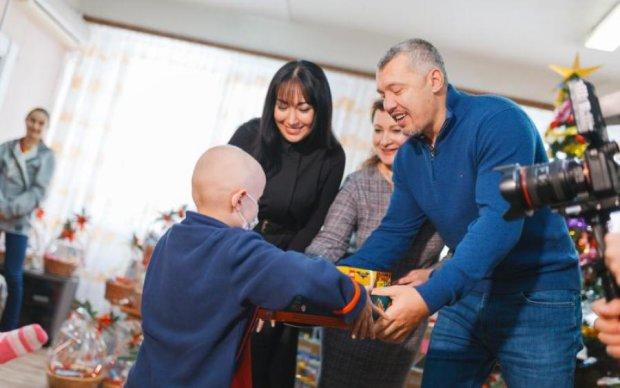 Владимир Мунтян исполнил заветные желания онкобольных детей
