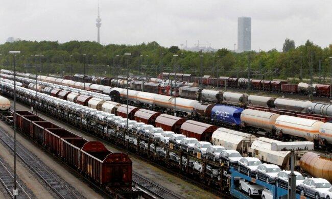 """""""Укрзалізниця"""" має встановити рівні тарифи для всіх вантажів без """"олігархічних преференцій"""", - глава Всеукраїнського Конгресу Фермерів Слободяник"""