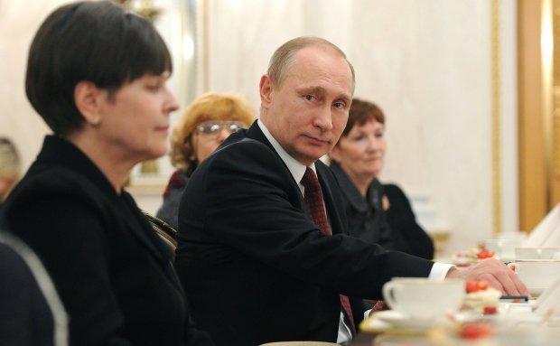 """Путін не зміг """"завести"""" кобилу своєю морквиною: дідусь весь трясеться"""
