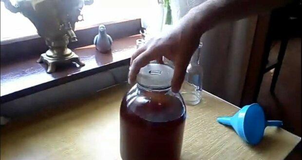 Рецепт домашнього коньяку, скрін Youtube