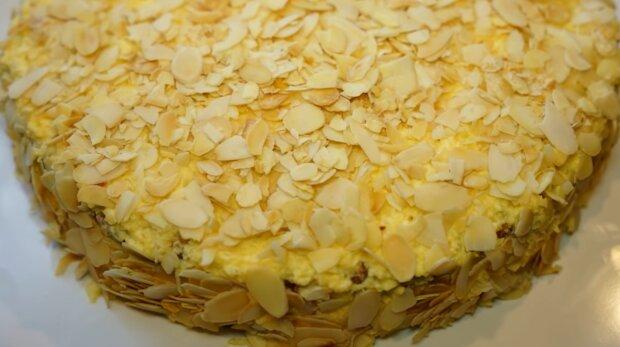 Миндальный торт, скриншот: YouTube