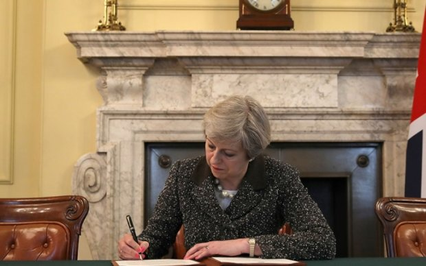 Тереза Мэй подписала письмо о Brexit