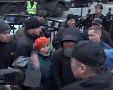 Скрин из видео потасовки с Беленюком
