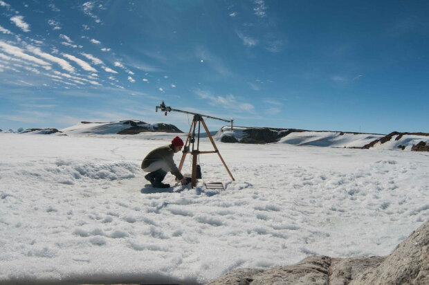 """В Антарктиде отыскали """"ледяной Чернобыль"""": человечество под угрозой, радиация распространяется со скоростью света"""
