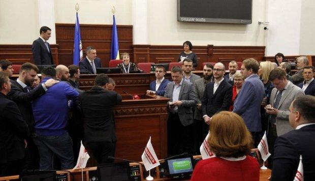 Команда Кличка розікрала майже 300 мільонів гривень з бюджету Києва: знайдені офіційні докази